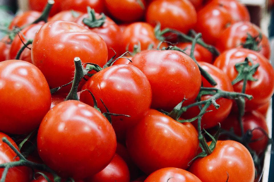 1 rajče = 0,7kg